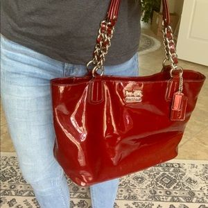 AUTHENTIC COACH CHELSEA PATENT LEATHER TOTE, EUC